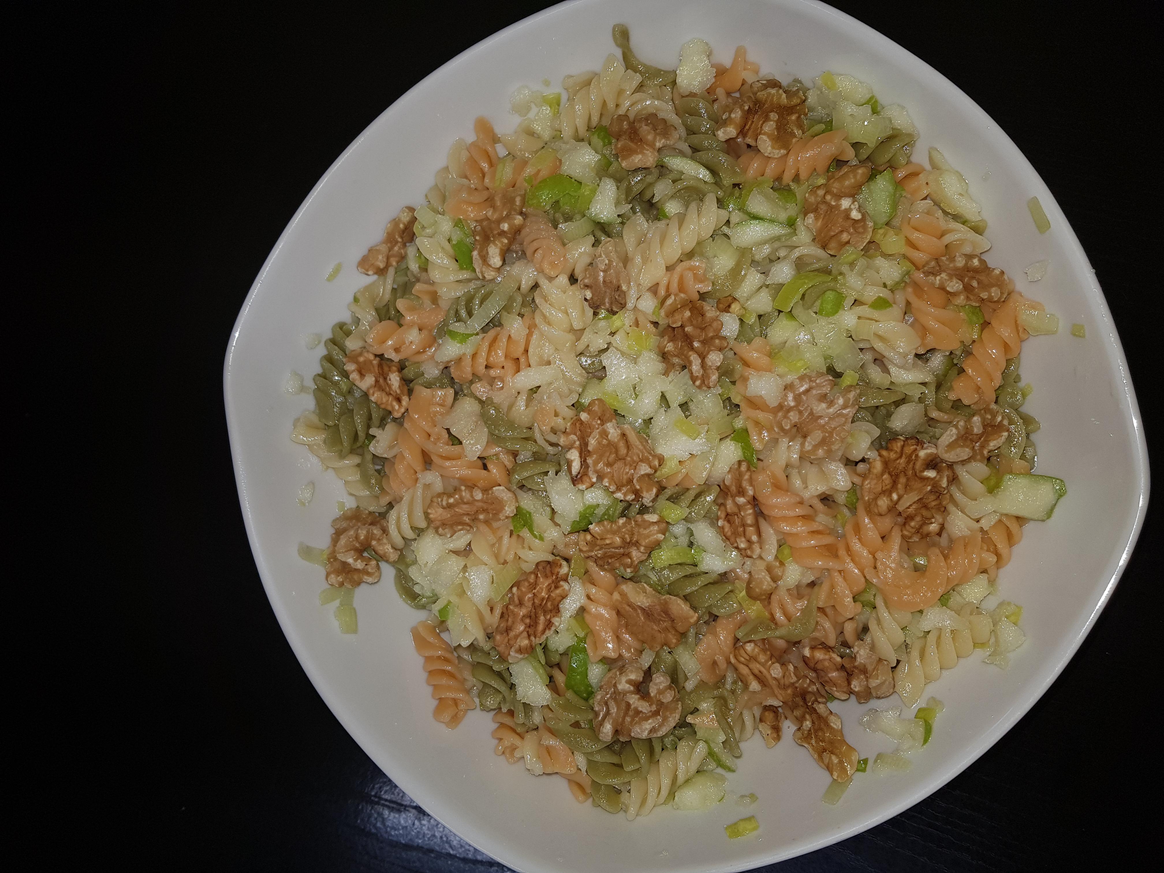 Ensalada de pasta integral verduras hortalizas y for Ensalada de pasta integral
