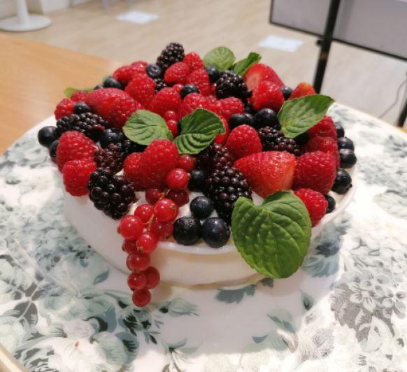 Tarta bol de frutos rojos