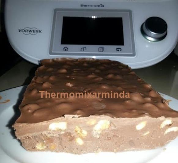 Turrón de chocolate con kikos
